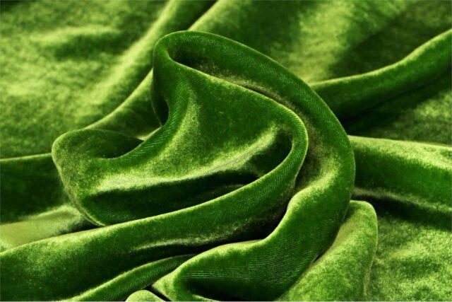 Tessuto Velluto Se/Viscosa 020 Verde per Abbigliamento