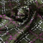 Tissu Imprimé Tartan Crêpe de Chine Beige, Fuchsia, Vert en Soie pour Chemise, Jupe, Pantalon, Robe.