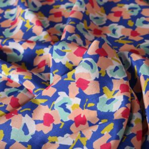 Blue, Fuxia, Pink Silk Crêpe de Chine Flowers Print fabric for Dress, Pants, Shirt, Skirt.