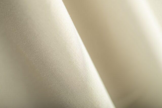 Tissu gabardine beige sable en coton stretch | Larusmiani Tessuti