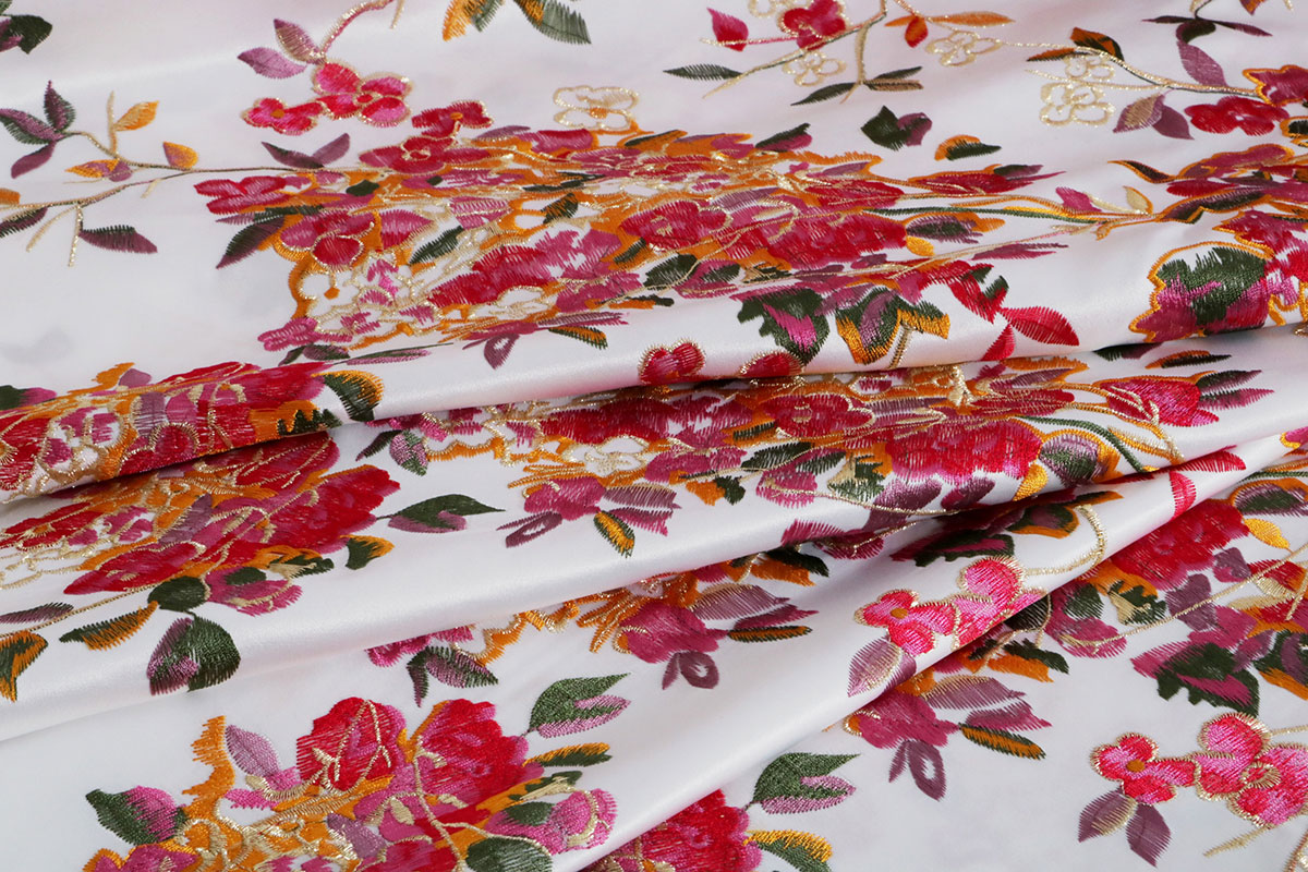 Decorative embroidered fabric | new tess