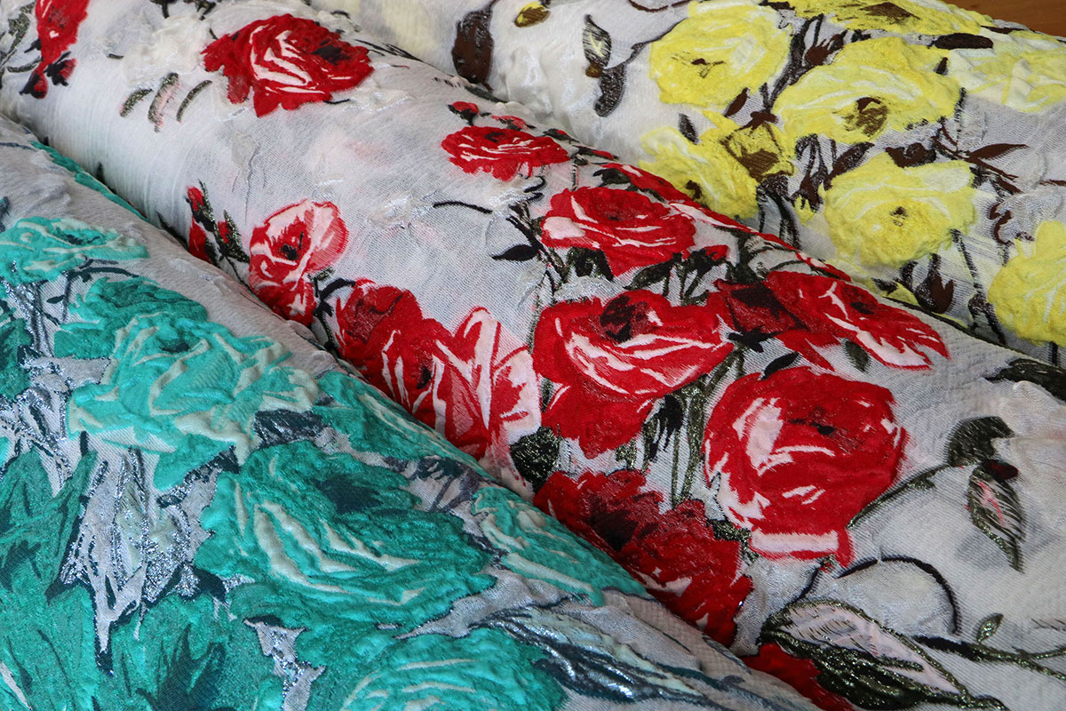 Floral jacquard fabrics for dressmaking and fashion| new tess