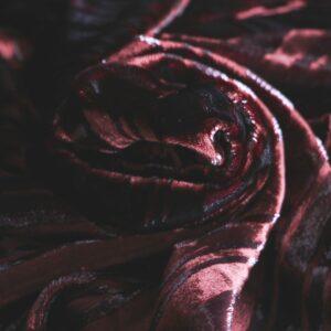 Tessuto Velluto Rosso in Poliestere, Seta, Viscosa per Abito da Cerimonia, Abito da Sera, Camicia.