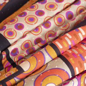 Tissu Imprimé Pois Fuchsia, Orange en Coton pour Chemise, Robe.