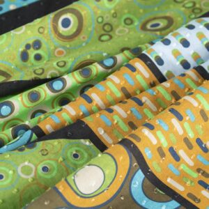 Tessuto Stampa Pois Giallo, Verde in Cotone per Abito, Camicia.