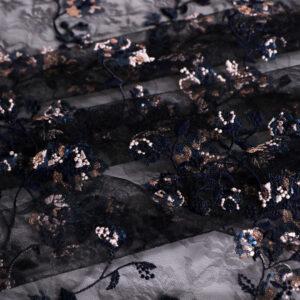 Tissu Dentelle et Broderie Fleurs Bleu, Noir en Polyester, Viscose pour Robe de cérémonie, Robe de soirée.