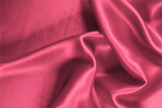 Petunia fuchsia silk crêpe back satin fabric for dressmaking