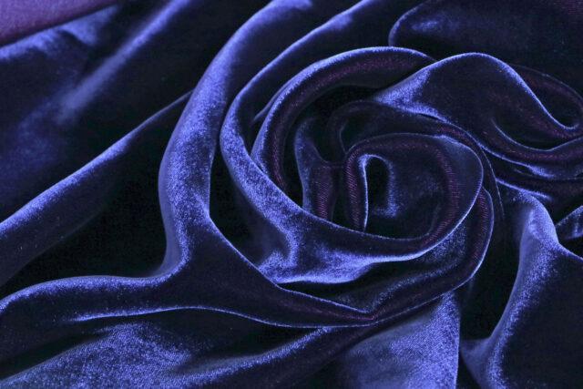 Silk and viscose blue velvet | new tess