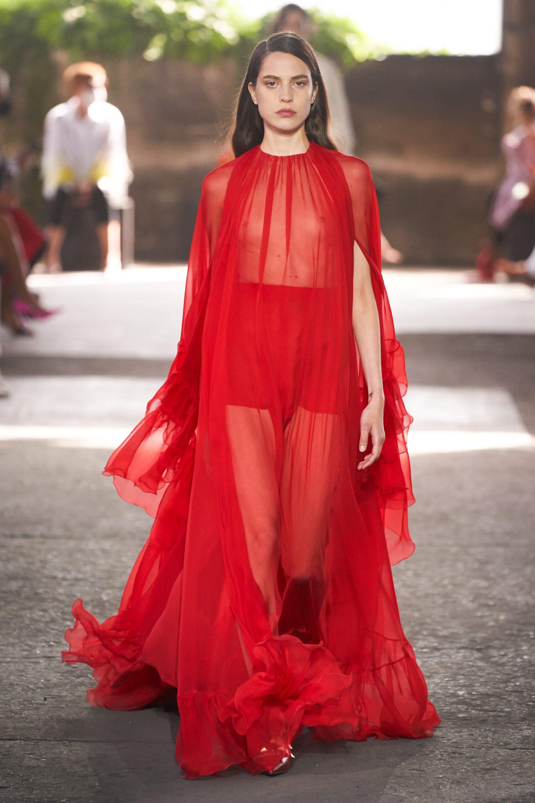 Valentino Ready-to-Wear Spring 2020