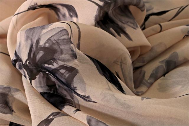 Gray, Pink Silk Flower Fabric - Georgette Fiori K10804