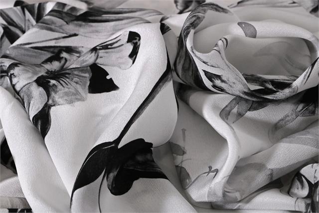Black, White Silk Flower Fabric - Crepe Se Fiori K00800