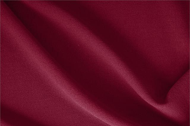Buy online our clothing and fashion fabric 'Rubino' Red  Wool Crêpe, Made in Italy. - new tess