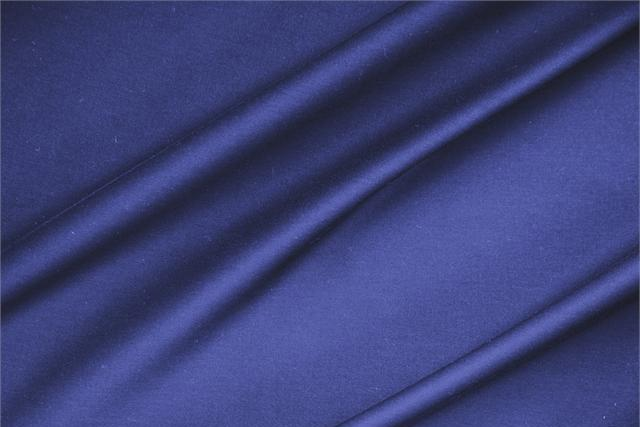 Buy online our clothing and fashion fabric Lightweight cotton sateen stretch Blue Zaffiro, Made in Italy. - new tess