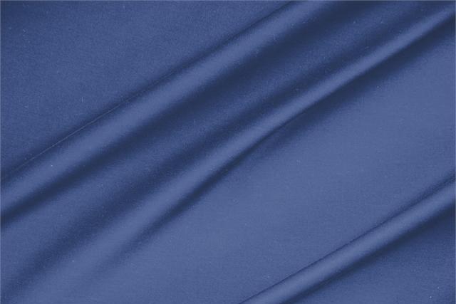 Achetez notre tissu pour habillement, haute couture et mode Satinette de coton stretch Bleu 'Avio' en Coton, Stretch, Made in Italy. - new tess