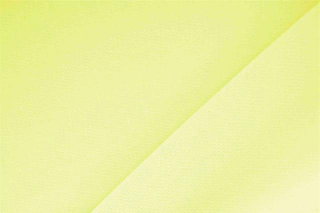 Acquista online il nostro tessuto per abbigliamento, sartoria e moda Microfibra Crêpe Giallo 'Cedrata' in Poliestere, Made in Italy. - new tess