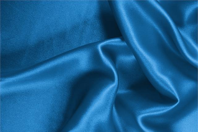 Tissu Crêpe Satin Bleu Portofino en Soie pour vêtements