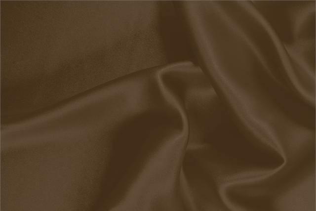Acquista online il nostro tessuto per abbigliamento, sartoria e moda Crêpe Satin Marrone 'Sigaro' in Seta, Made in Italy. - new tess