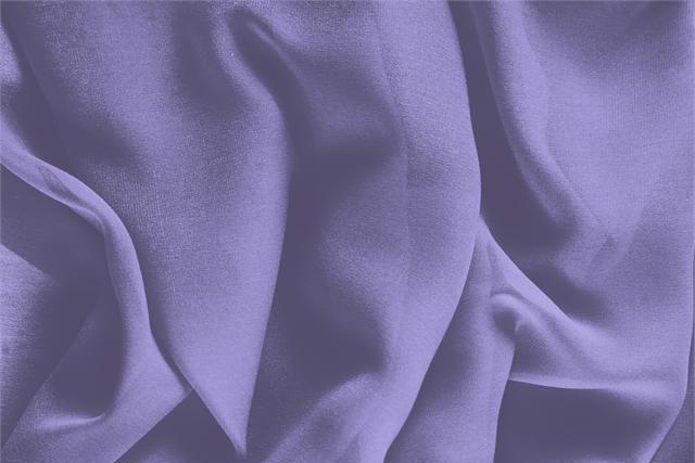 Acquista online il nostro tessuto per abbigliamento, sartoria e moda Georgette Viola 'Glicine' in Seta, Made in Italy. - new tess