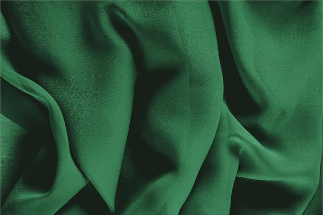 Buy online our clothing and fashion fabric 'Smeraldo' Green Silk Georgette, Made in Italy. - new tess