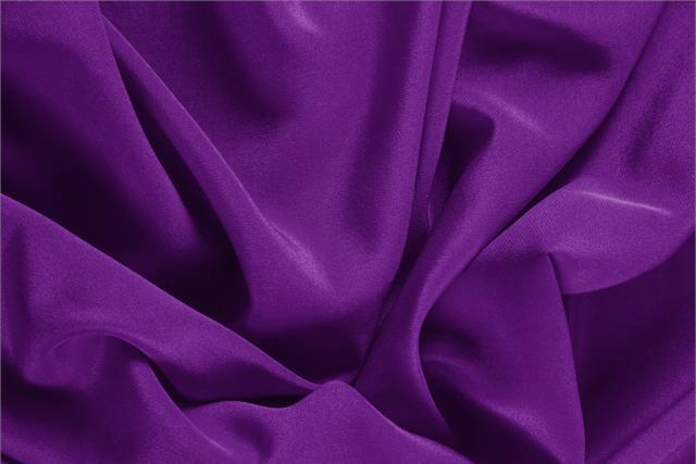 Buy online our clothing and fashion fabric 'Mirtillo' Purple Silk Crêpe de Chine, Made in Italy. - new tess
