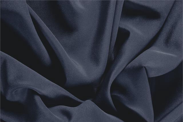 Acquista online il nostro tessuto per abbigliamento, sartoria e moda Crêpe de Chine Blu Notte, Made in Italy. - new tess