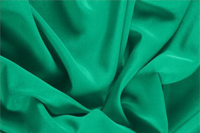 Acquista online il nostro tessuto per abbigliamento, sartoria e moda Crêpe de Chine Verde 'Bandiera' in Seta, Made in Italy. - new tess