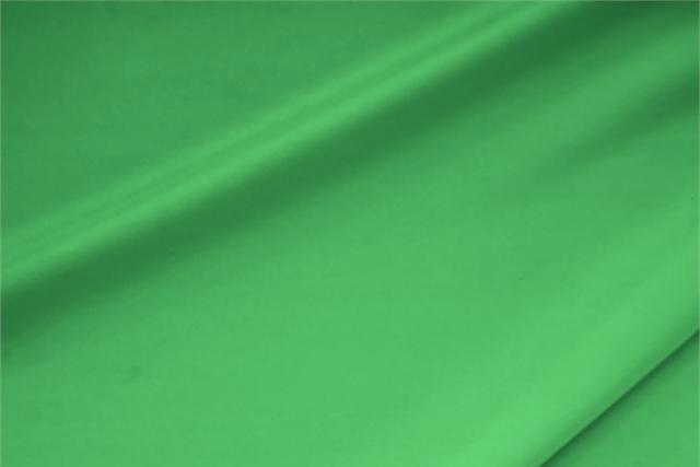 Achetez notre tissu pour habillement, haute couture et mode Crêpe de Chine Stretch Vert 'Bandiera' en Soie, Stretch, Made in Italy. - new tess