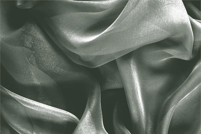 Buy online our clothing and fashion fabric 'Foresta' Green Silk Chiffon, Made in Italy. - new tess