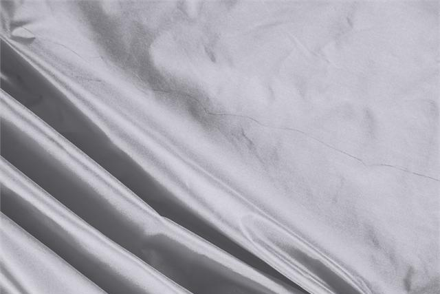 Buy online our clothing and fashion fabric 'Perla' Silver Silk Taffeta, Made in Italy. - new tess