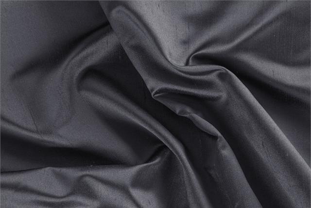 Tessuto Raso Shantung Grigio Fuliggine in Seta per abbigliamento